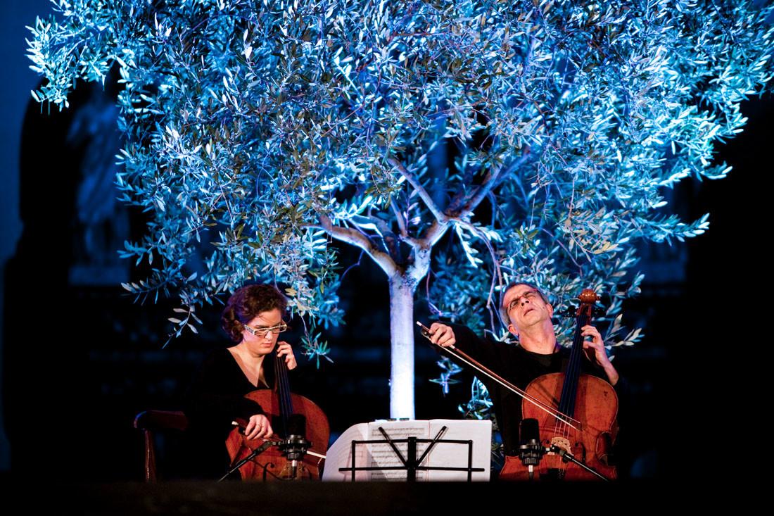 Aosta, Giovanni Sollima, cellist in «Credo! L'albero del monaco»